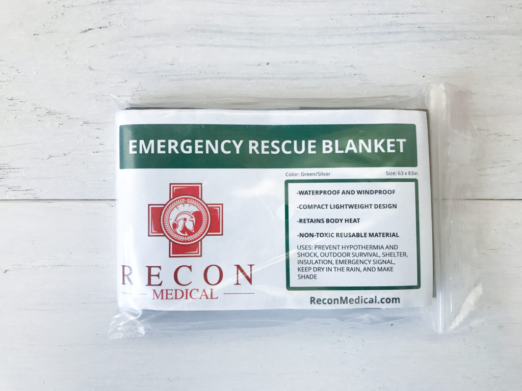 emergency blanket packable space mylar heat retaining safety survival