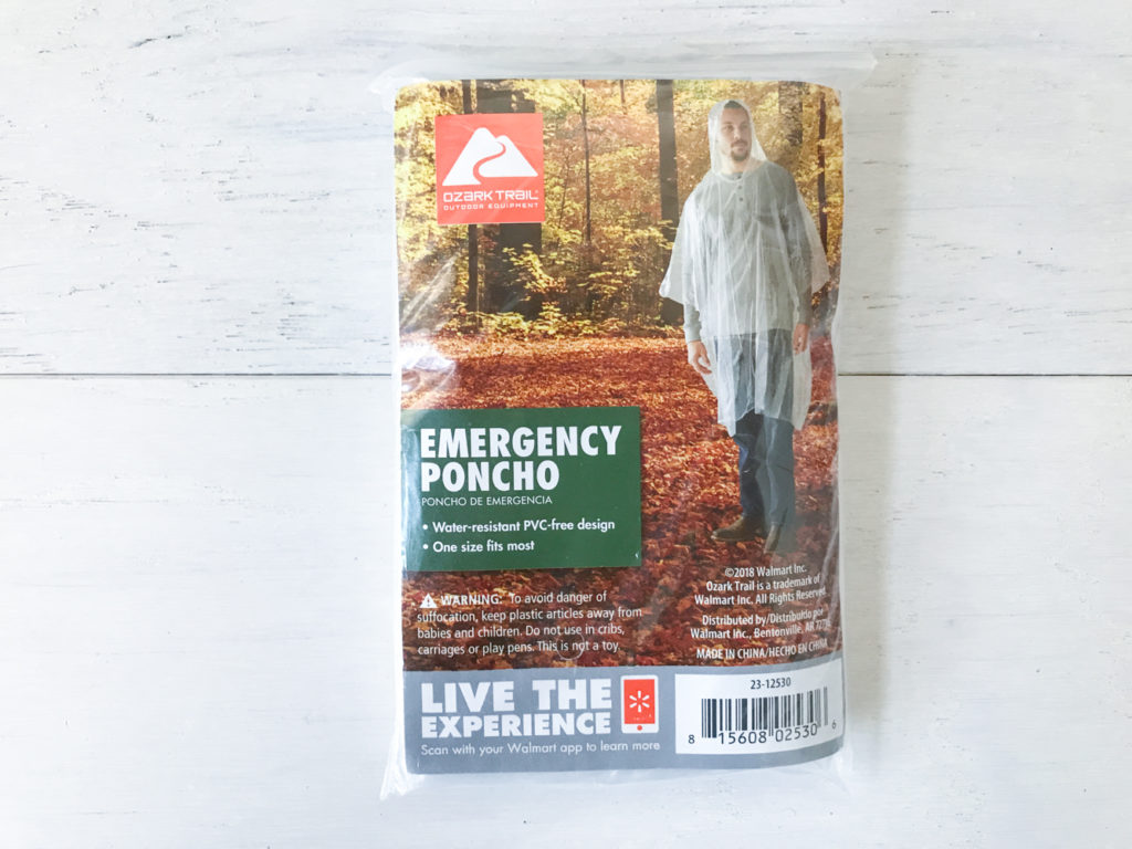 emergency poncho jacket to stay dry in rain bad weather can be used as a tarp